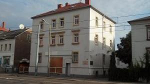 Studio P24 Fassade für Anfahrt
